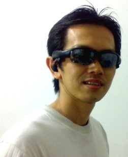 MP3 player Sunglasses atau kacamata di tokokomputer007.com