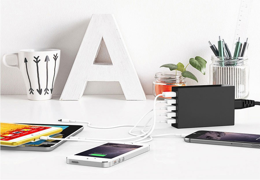 aukey-usb-desktop-wall-charger-5-port-eu-plug-54w-with-qualcomm-quick-charger-20-and-aipower-black-6
