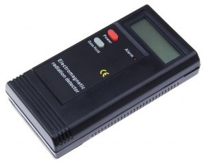 digital-electromagnetic-radiation-detector-dt-1130-black-3